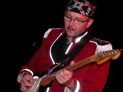 7. Rock region fest - Divadlo Pod čarou Písek. Rockeři Keys ze Sedlice a Písku dokazovali, jak to kapele šlape, když se spojí zkušení matadoři s mladou krví.