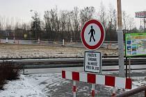 Oprava mostů omezuje dopravu na přeložce v Písku i pohyb chodců.