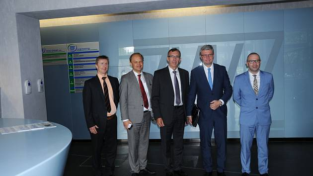 Vicepremiér Karel Havlíček navštívil ZVVZ GROUP v Milevsku.