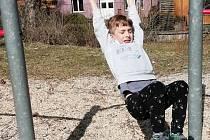 Na dětská hřiště v Milevsku už zase mohou děti.