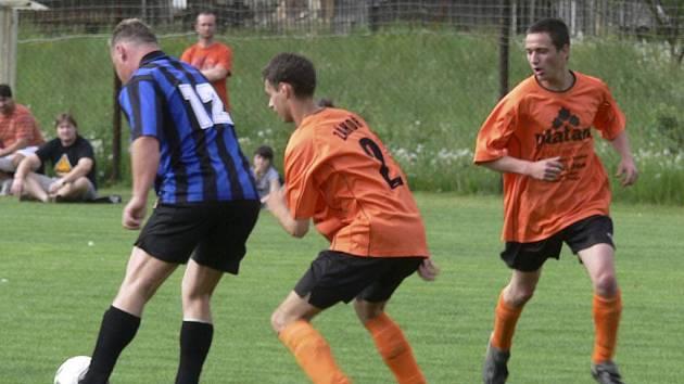 Okresní fotbalové soutěže na Písecku pokračovaly o minulém víkendu dalšími zápasy podzimní sezony.