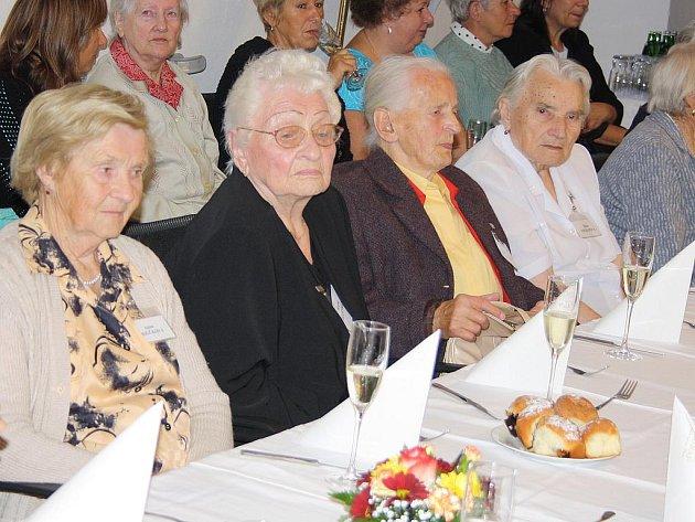 Setkání nejstarších Písečanů.