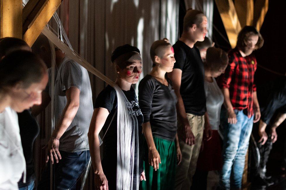 Ateliéry partnerů projektu Unprepared Hearts v písecké Sladovně.