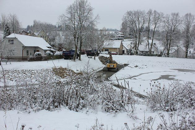 Návesní rybník v Olešné.