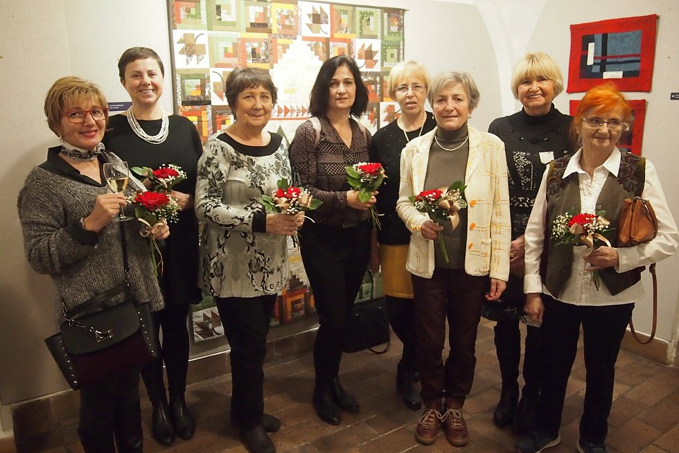 Vernisáž výstavy Prošívané Vánoce, kterou připravila skupina OPQ (Otavský Patchwork a Quilting) v Prácheňském muzeu.