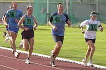 Písecký vytrvalec Jiří Jansa (na snímku s č. 28 při závodě Písecká hodinovka) dosáhl v roce 2009 velmi dobrých výkonů a výsledků.