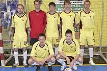 Mužstvo FC Marná Snaha B (na snímku) sehraje v sobotu dopoledne druhé finálové utkání play off okresního přeboru ve futsalu-FIFA s týmem FC Hasiči. Pokud zvítězí, stane se celkovým vítězem soutěže.