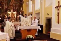Po pětadvaceti letech sloužil P. Slávek mši v mirovickém kostele.