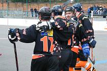 V utkání krajské ligy hokejbalistů zvítězilo béčko HC ŠD Písek ve Zlivi nad týmem HC Olešník 5:2.