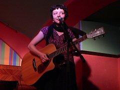 Z koncertů Sester Steinových v Píčku.