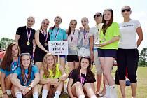 ÚSPĚŠNÉ HÁZENKÁŘKY. Děvčata ze Sokola Písek tvořily základ jihočeského výběru  na Olympijských hrách dětí a mládeže.