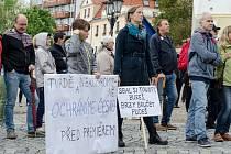 Lidé v Písku demonstrovali proti Andreji Babišovi.