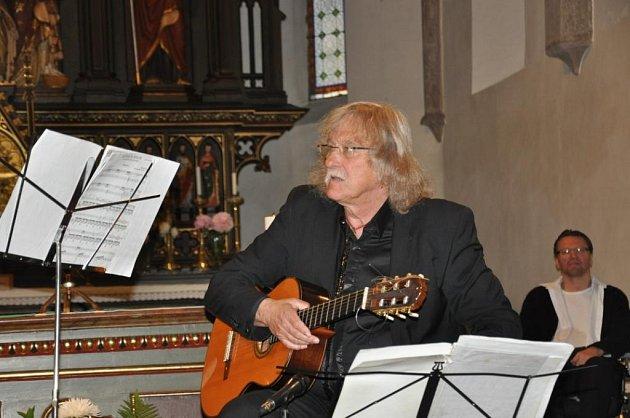Kytarový virtuos Lubomír Brabec.