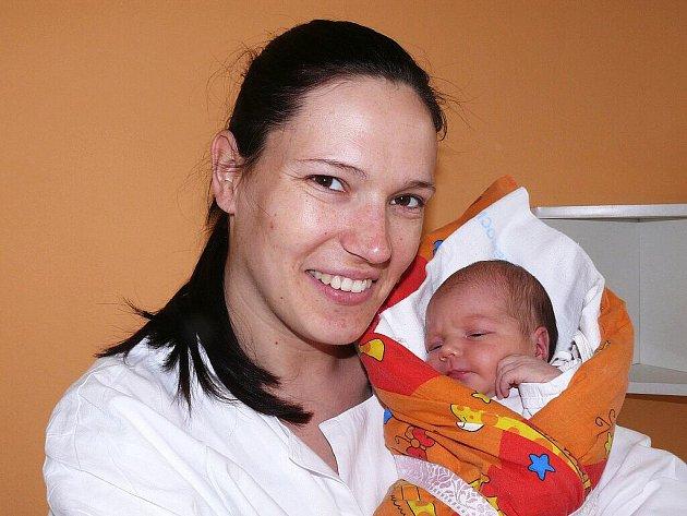 Anna Říhová,  Písek, 5. 6. 2011 v 17.54 hodin, 3450 g, 51 cm.