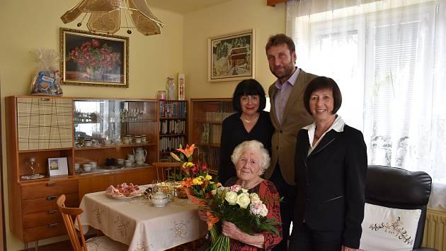 Františka Častoralová oslavila 100. narozeniny.