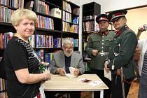 Autor Ladislav Beran (na snímku uprostřed)