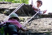 Na táborech si děti mohou vyzkoušet i zcela nové aktivity - záběr z loňského letního tábora písecké organizace Švagr.