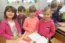 Předškoláci si vyrazili okouknout školu.