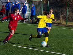 FC Písek U 14 si zahráli proti dívčí reprezentaci do 17 let.