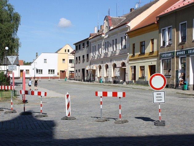 Rekonstrukce Masarykova náměstí v Mirovicích.