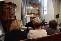 Vystoupení v koncertní síni Trojice.