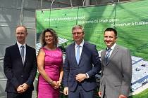 Ministr průmyslu navštívil v Písku Schneider Electric.