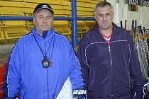 Na snímku jsou trenéři mládeže hokejového klubu IHC Komterm Písek (zleva) Miroslav Šperl a Karel Slabý.