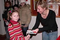 Na čtvrteční odpoledne připravilo dětské oddělení písecké knihovny slavnostní vyhlášení výsledků soutěže Z pohádky do pohádky.
