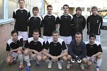Mužstvo SK Blue Dolphins (na snímku) je v tabulce okresního přeboru ve futsalu-FIFA na třetím místě.