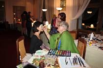 Halloweenský večer s vernisáží výstavy a kapelou Paradoxy v Hotelu Zvíkov.