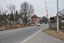 Železniční přejezd směrem na Hradiště.