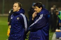 Po odchodu Ondřeje Prášila vede písecký třetiligový A-tým z pozice hlavního trenéra Rostislav Grossmann (vpravo). Asistentem zůstává Milan Nousek ml. (vlevo).