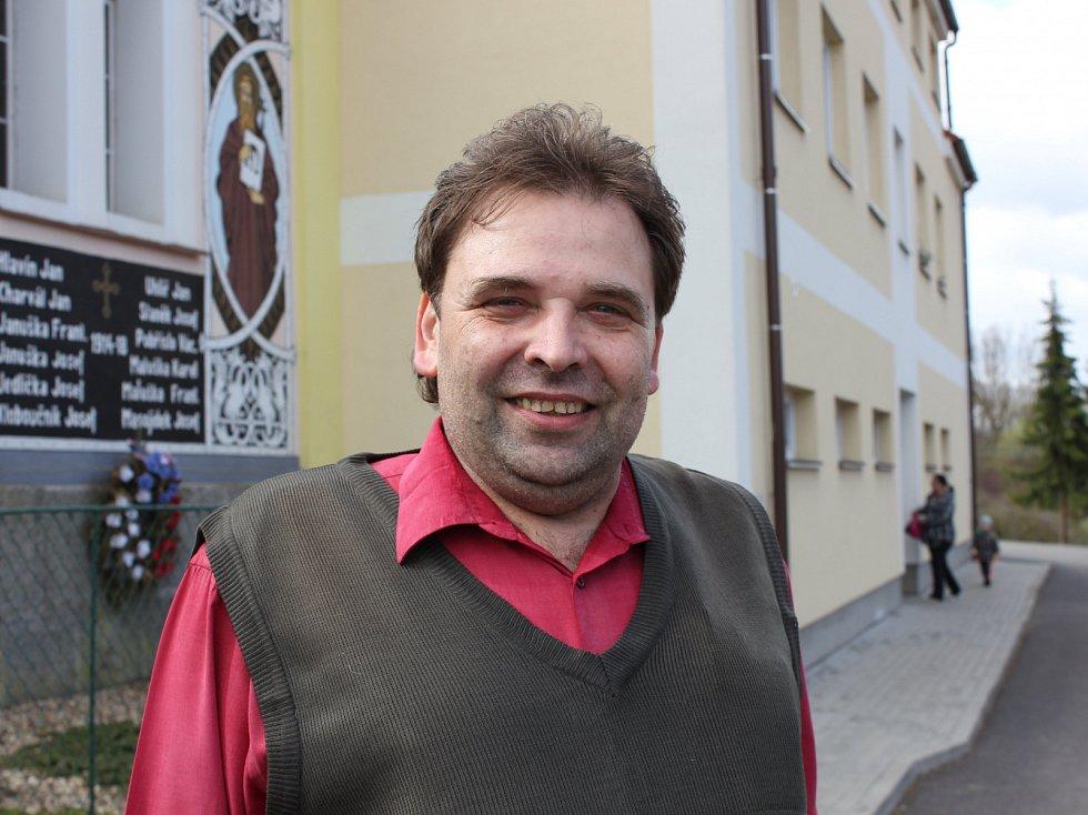 Starosta Kučeře Bohuslav Bartůněk.