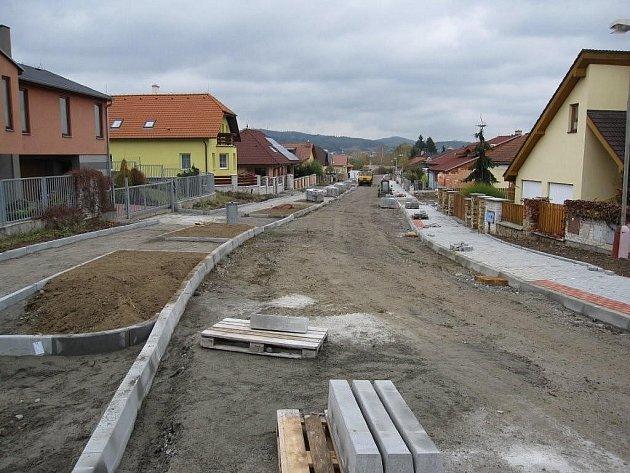 Ilustrační snímek je z nedávno skončené rekonstrukce ulice V Lukách v Písku.