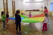 Cvičení s dětmi.