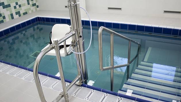 Písecká nemocnice dokončuje novou vodoléčbu.