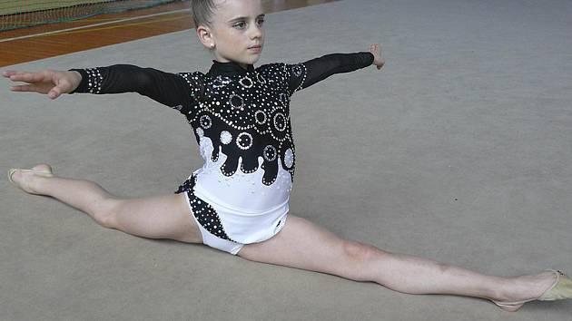 Milevská gymnastka Natálie Křížová (na snímku) obsadila v Humpolci v kategorii nadějí mladších výborné druhé místo.
