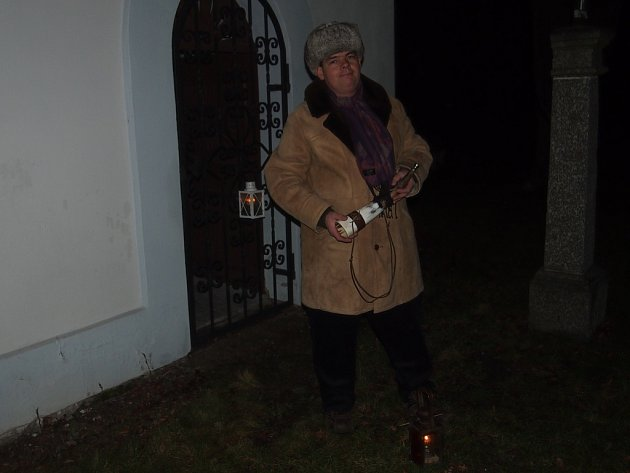 Petr Hanus jako ponocný ve Skalách.