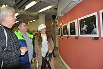 Fotografie s námětem jazzu budou opět v Portyči. Snímek je z vernisáže loňské výstavy.