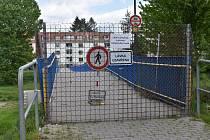 Lávka spojující sídliště Portyč a nábřeží 1. máje je uzavřena.