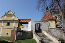 Kostel svatého Ondřeje v Radobytcích.