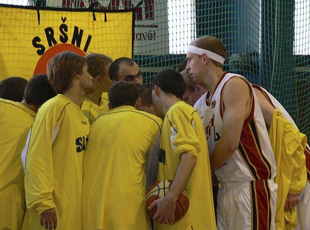 Basketbaloví junioři Sokola Písek sehrají utkání extraligové soutěže v sobotu proti týmu BC Loko Plzeň. Nedělní zápas proti Spartě byl pro nemoc hostí odložen.