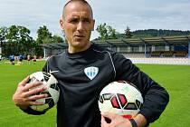 PÍSEČÁK V TÁBORSKU. Bývalý profesionální brankář Petr Pižanowski se nyní věnuje trénování gólmanů. V druholigovém týmu Táborska právě načíná čtvrtou sezonu v řadě.