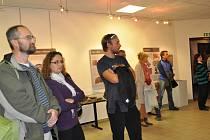 Vernisáž výstavy  nazvané  Obrazový svět pozdního středověku přilákala do Prácheňského muzea v Písku  několik desítek lidí, které zajímá umělecká  práce našich dávných předků.