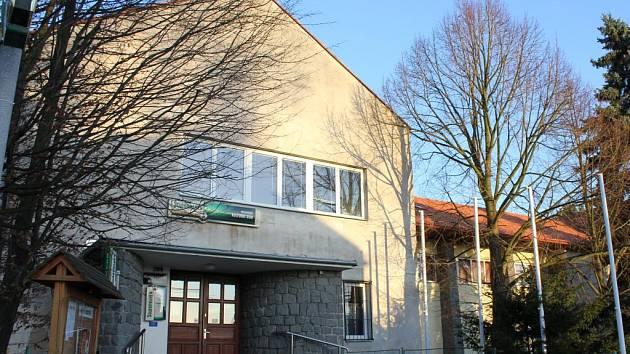 Kulturní dům v Mirovicích.