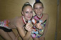 Na snímku z Vídně jsou milevské gymnastky (zleva) Kristýna Souhradová a Natálie Křížová i se stříbrnými medailemi.