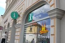 Milevské turistické informační centrum sídlí na Husově náměstí.