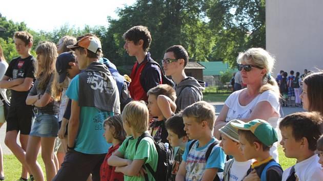 Žáci si v Čimelicích vyzkoušeli první pomoc a zhlédli ukázky práce hasičů.