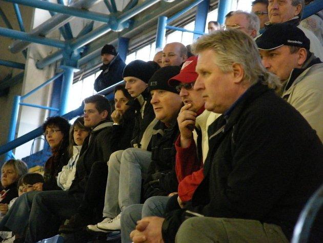 Druhý zápas play off hokejové extraligy staršího dorostu IHC Komterm Písek - Piráti Chomutov.