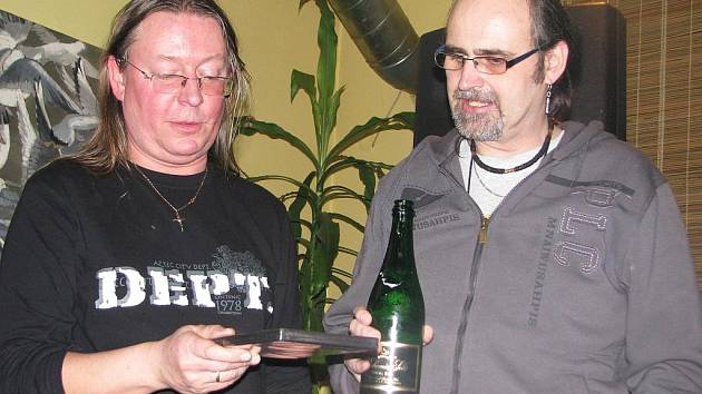 Křest dvd skupiny Futurum a koncert Romana Dragouna v kavárně U Vavřiny v Písku.